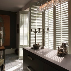 Shutters in een klassiek interieur